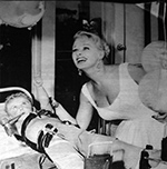 Sabrina and a polio victim in hostpital 1959